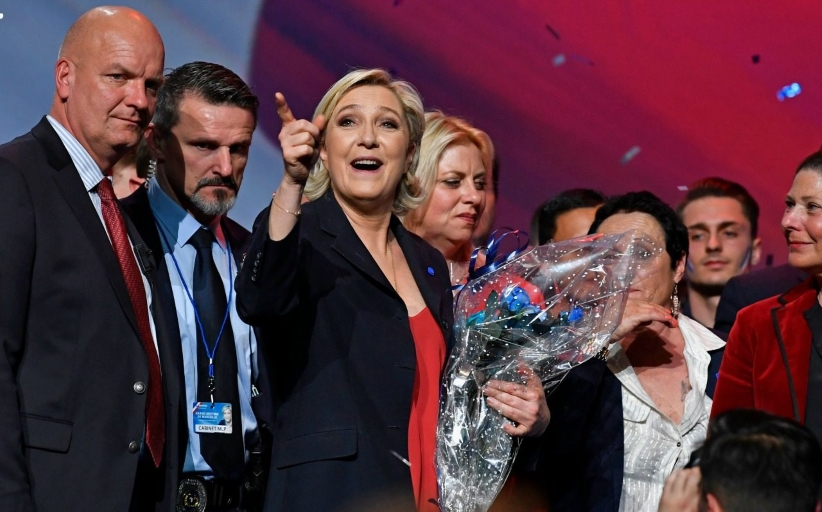 Le Pen Vows to Stamp out 'Poison' of Islamism in Final Rally Before French Election
