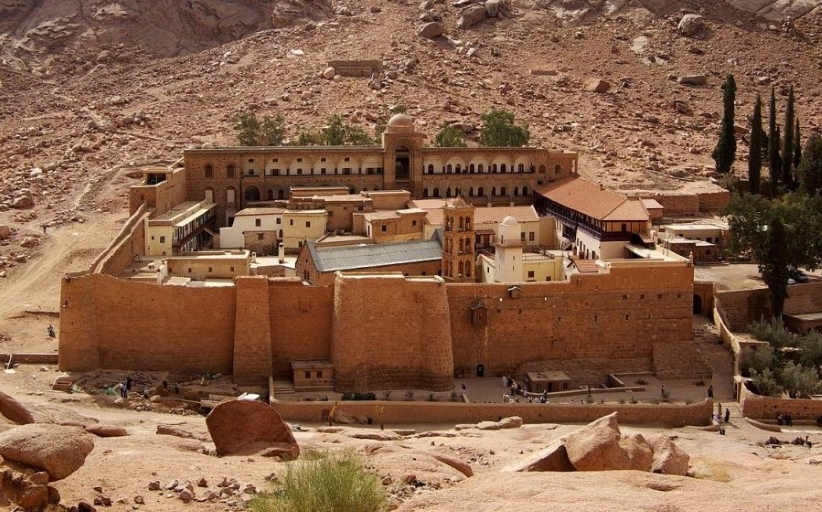 ISIS claims attack on police checkpoint near renowned Egypt monastery