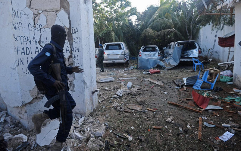 Somalia restaurant siege: Al-Shabaab militants massacre 31 civilians in Mogadishu